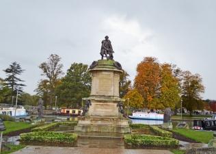 Statue of Shakespear in Stratford-upon-Avon