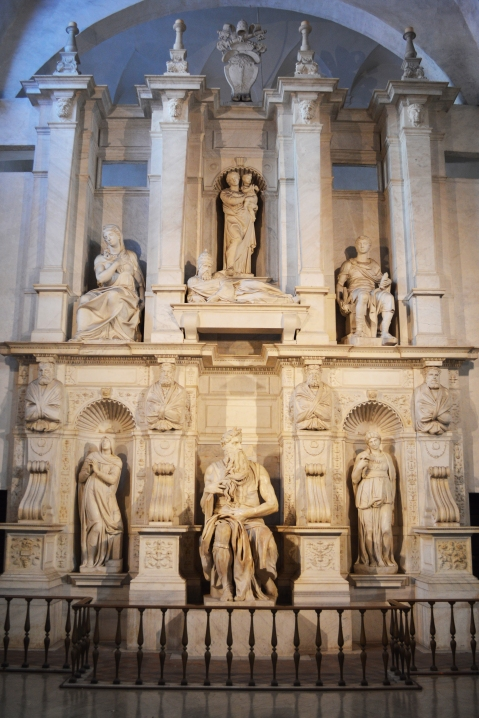 michelangelos-statue-of-moses-in-the-church-of-st-peter-in-chains