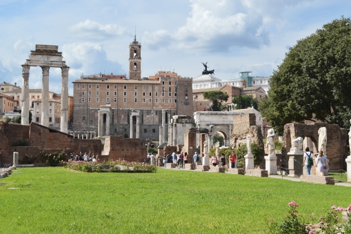 the-house-of-the-vestal-virgins-in-the-forum-romanum